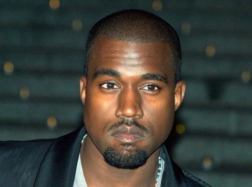 Kanye West fait chavirer les réseaux avec ce son ! (vidéo)