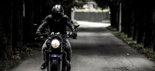 Le bon plan crevard : ton essence moins chère pour ta moto !