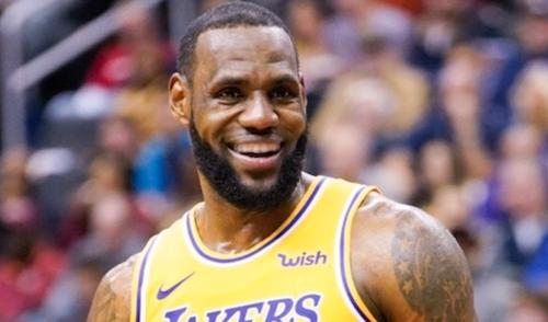 LeBron James annonce qu'il veut se lancer dans le rap