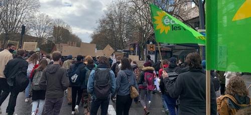 Toulouse. Plus de 300 jeunes dans la rue lors de la manifestation...