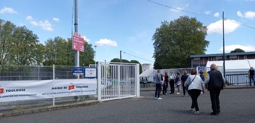 Toulouse. Le vaccinodrome ouvert en soirée, les berges de la...