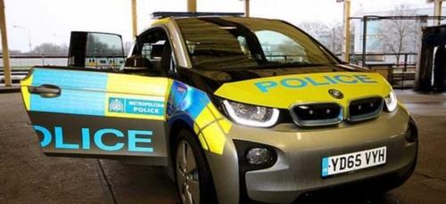 La police achète 448 voitures électriques pas suffisamment rapides...