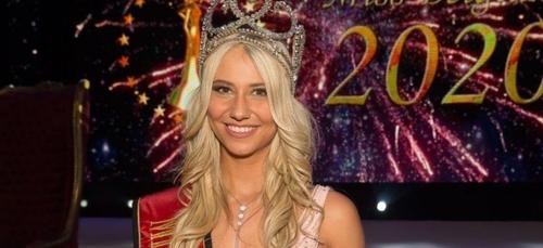 Miss Belgique chute et perd son soutien-gorge en plein direct [VIDEO]