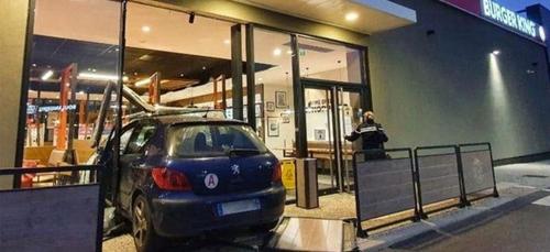 Burger King : un cours de conduite vire au drame [VIDEO]