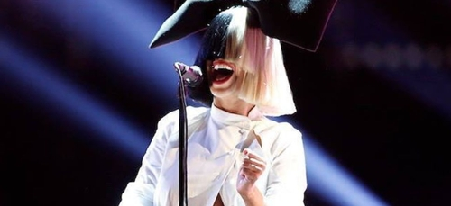 «Brigitte Macron est tellement sexy» : quand Sia est sous le...