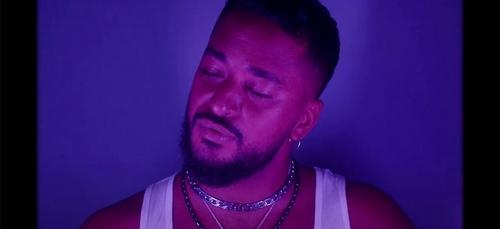 """Slimane dévoile une nouvelle reprise avec """"Si t'étais là"""" de Louane..."""