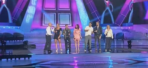 Les 20 ans de la Star Academy : Nikos Aliagas dévoile les premiers...