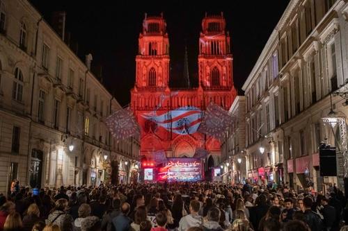 Tour Vibration à Orléans : 30 000 personnes mettent le feu au...