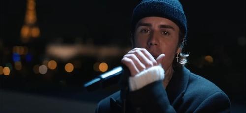 Justin Bieber dévoile son show inédit enregistré sur les toits à...