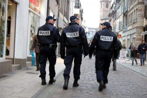 Seine-Saint-Denis : deux policiers suspendus pour des propos racistes