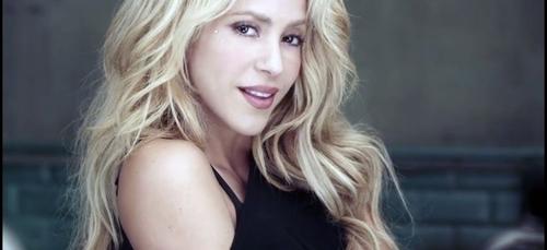 Shakira dresse des papillons dans son nouveau clip ?