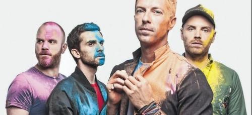 L'incroyable prestation d'un fan de Coldplay lors d'un concert !