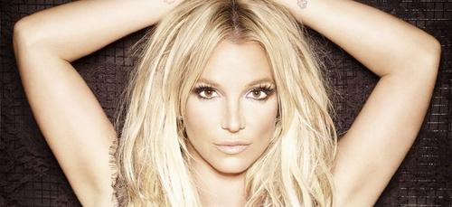 Britney Spears s'énerve en direct et s'explique sur son rasage de...