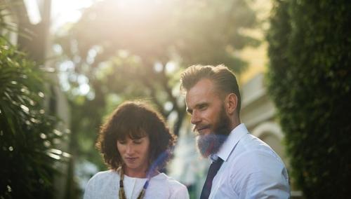 Être attiré par un collègue de travail serait bon pour votre couple !